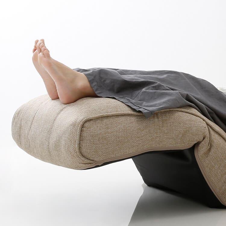 LOWYAの座椅子は角度調節可能